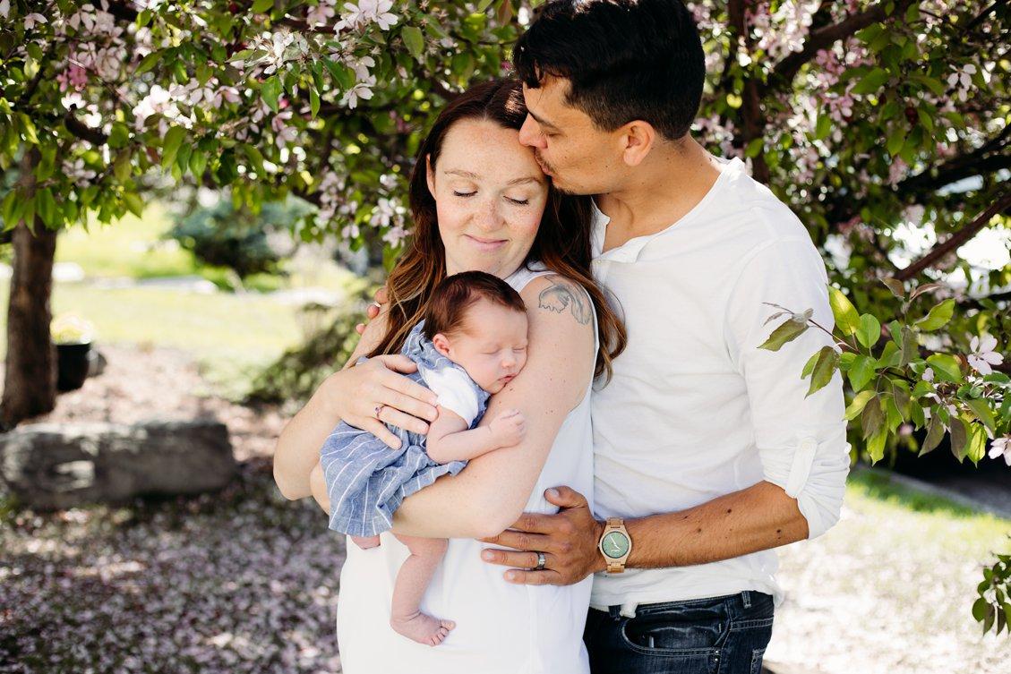 family photographer, maternity photos, newborn photography, calgary photographer, Kananaskis, Rocky Mountain, Canmore photographer, lifestyle photographer