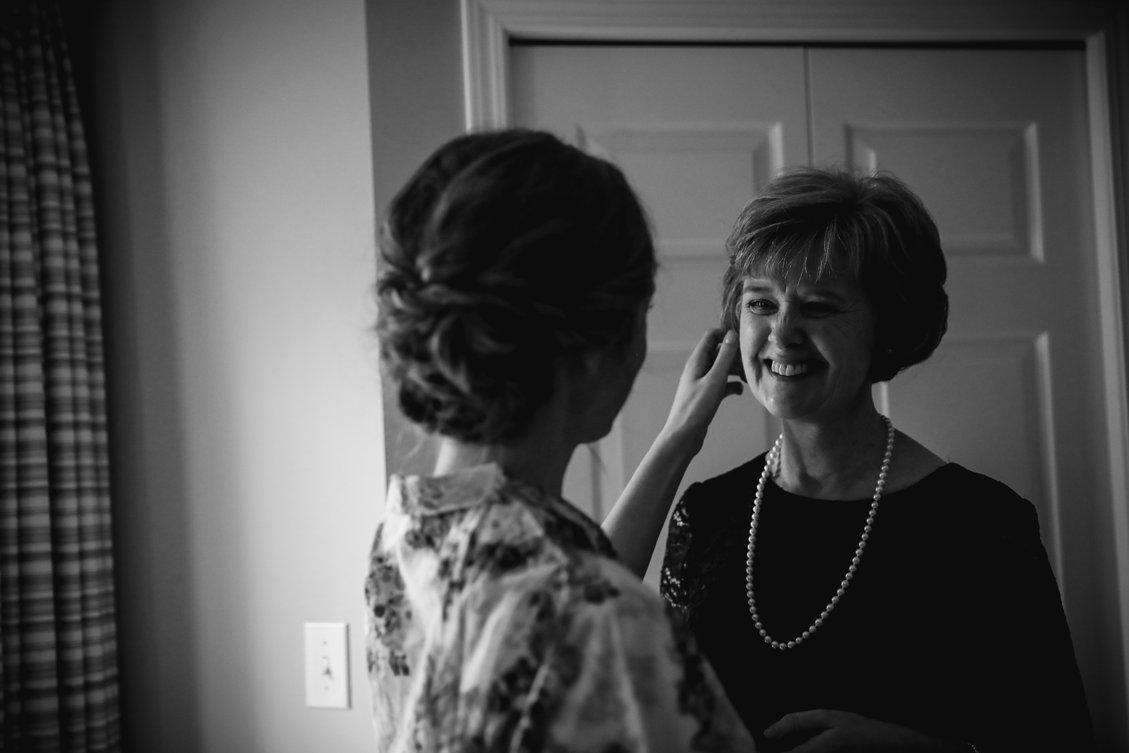 AshleyDaphnePhotography Wedding Photographer Mutart Old Timers Cabin Edmonton Calgary Country Rustic Western_0102.jpg