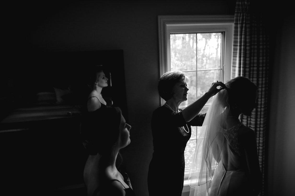 AshleyDaphnePhotography Wedding Photographer Mutart Old Timers Cabin Edmonton Calgary Country Rustic Western_0112.jpg
