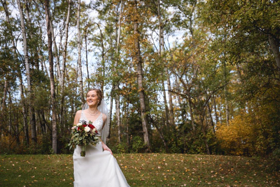 AshleyDaphnePhotography Wedding Photographer Mutart Old Timers Cabin Edmonton Calgary Country Rustic Western_0124.jpg