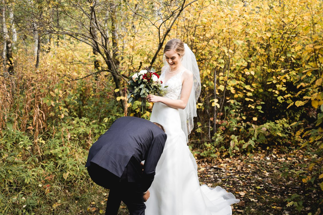 AshleyDaphnePhotography Wedding Photographer Mutart Old Timers Cabin Edmonton Calgary Country Rustic Western_0134.jpg
