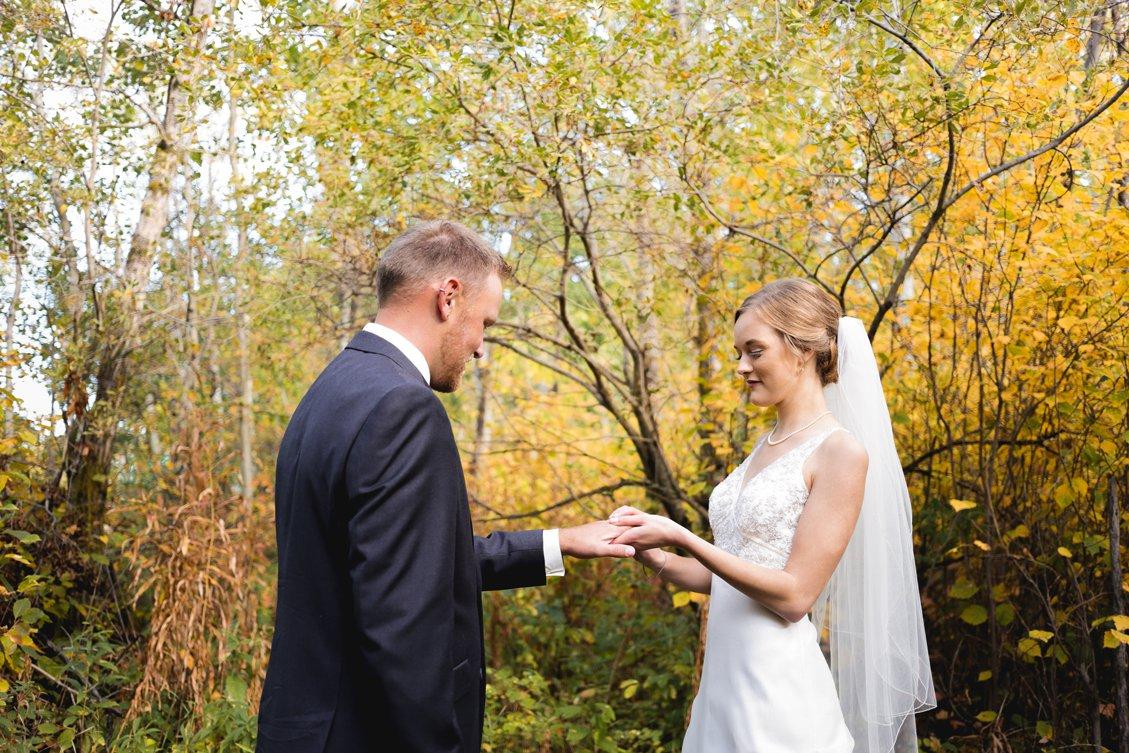 AshleyDaphnePhotography Wedding Photographer Mutart Old Timers Cabin Edmonton Calgary Country Rustic Western_0138.jpg