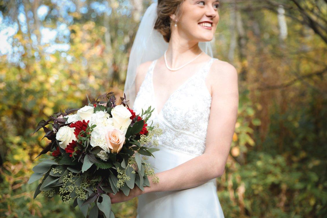 AshleyDaphnePhotography Wedding Photographer Mutart Old Timers Cabin Edmonton Calgary Country Rustic Western_0146.jpg
