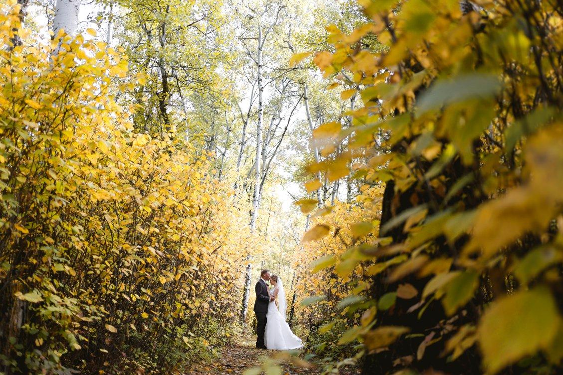 AshleyDaphnePhotography Wedding Photographer Mutart Old Timers Cabin Edmonton Calgary Country Rustic Western_0148.jpg