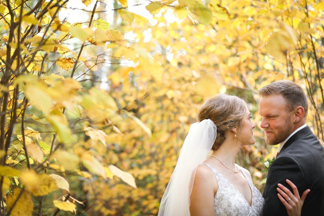 AshleyDaphnePhotography Wedding Photographer Mutart Old Timers Cabin Edmonton Calgary Country Rustic Western_0151.jpg