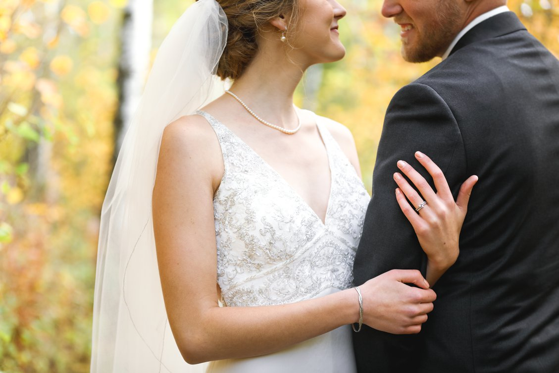 AshleyDaphnePhotography Wedding Photographer Mutart Old Timers Cabin Edmonton Calgary Country Rustic Western_0152.jpg