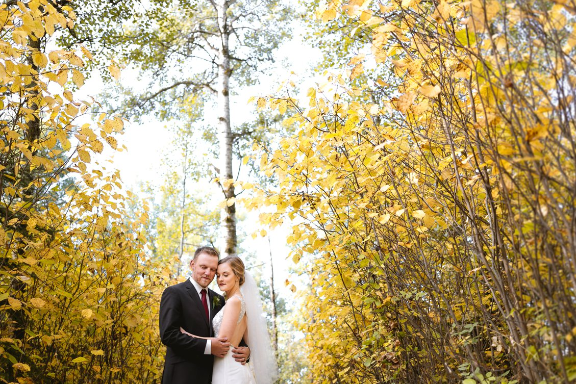 AshleyDaphnePhotography Wedding Photographer Mutart Old Timers Cabin Edmonton Calgary Country Rustic Western_0153.jpg