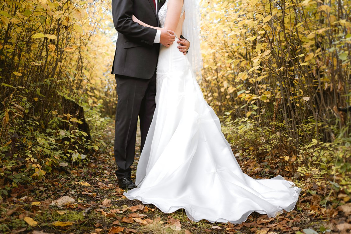 AshleyDaphnePhotography Wedding Photographer Mutart Old Timers Cabin Edmonton Calgary Country Rustic Western_0154.jpg
