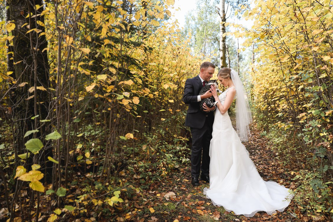AshleyDaphnePhotography Wedding Photographer Mutart Old Timers Cabin Edmonton Calgary Country Rustic Western_0155.jpg