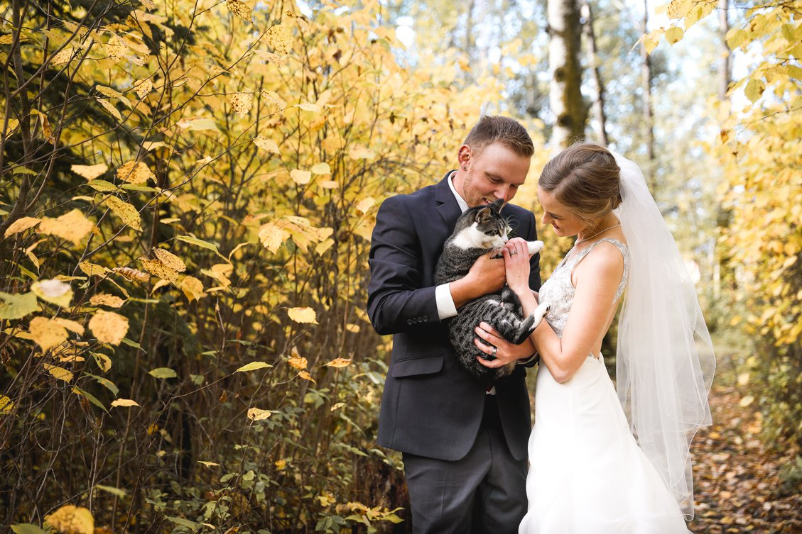 AshleyDaphnePhotography Wedding Photographer Mutart Old Timers Cabin Edmonton Calgary Country Rustic Western_0156.jpg