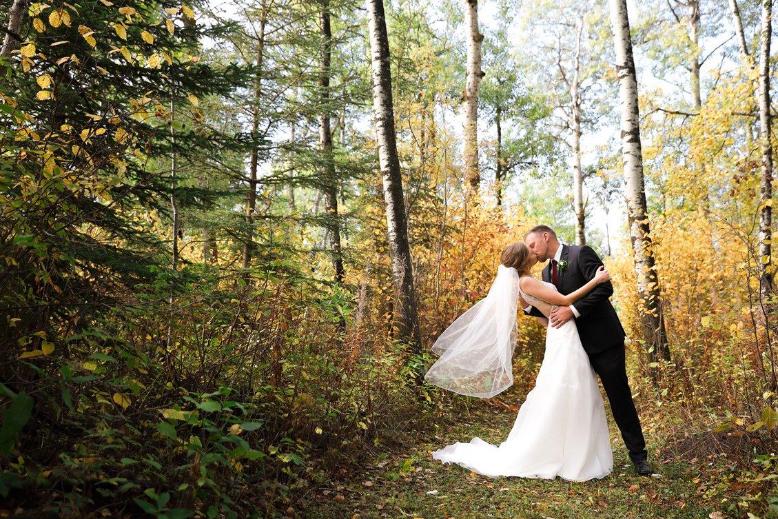 AshleyDaphnePhotography Wedding Photographer Mutart Old Timers Cabin Edmonton Calgary Country Rustic Western_0158.jpg