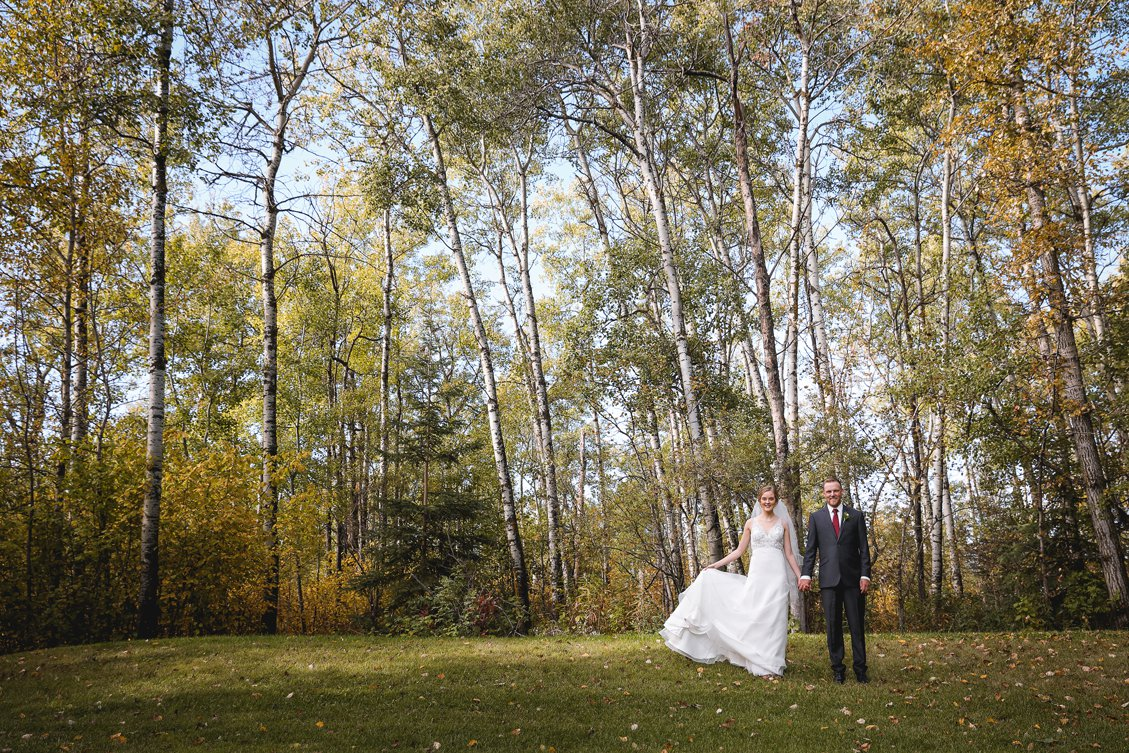 AshleyDaphnePhotography Wedding Photographer Mutart Old Timers Cabin Edmonton Calgary Country Rustic Western_0162.jpg