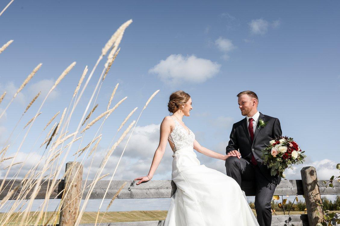 AshleyDaphnePhotography Wedding Photographer Mutart Old Timers Cabin Edmonton Calgary Country Rustic Western_0183.jpg