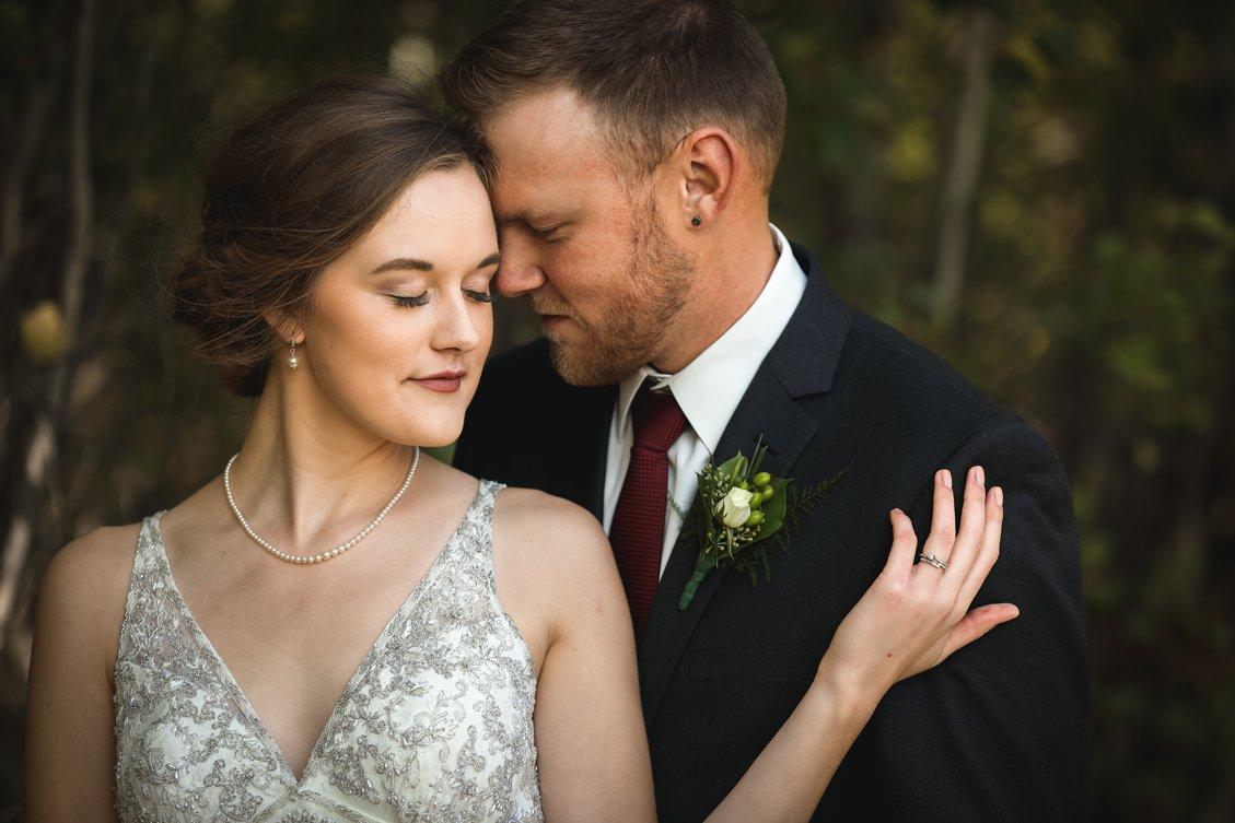 AshleyDaphnePhotography Wedding Photographer Mutart Old Timers Cabin Edmonton Calgary Country Rustic Western_0207.jpg
