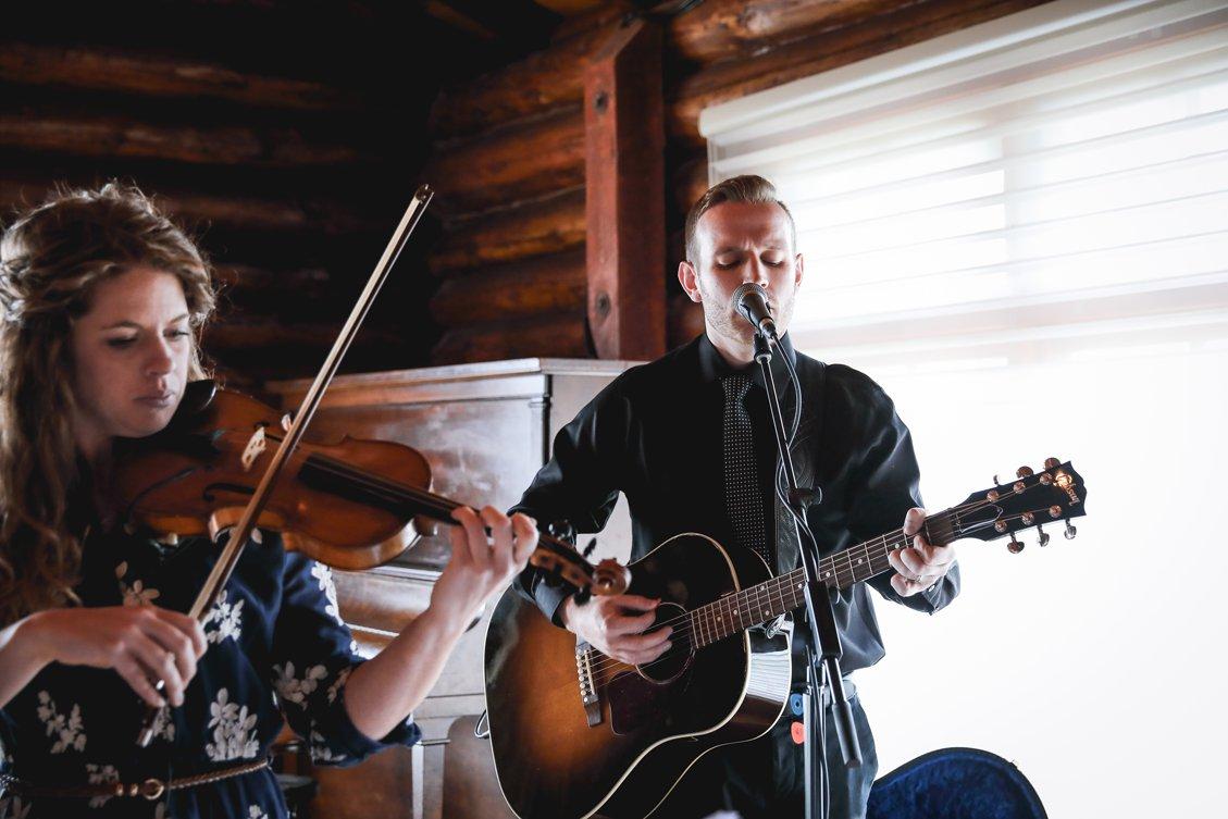 AshleyDaphnePhotography Wedding Photographer Mutart Old Timers Cabin Edmonton Calgary Country Rustic Western_0257.jpg
