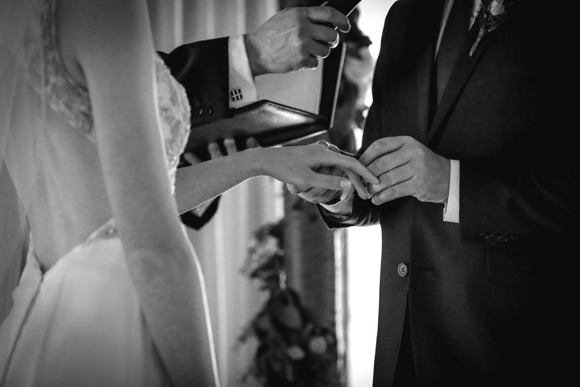 AshleyDaphnePhotography Wedding Photographer Mutart Old Timers Cabin Edmonton Calgary Country Rustic Western_0305.jpg