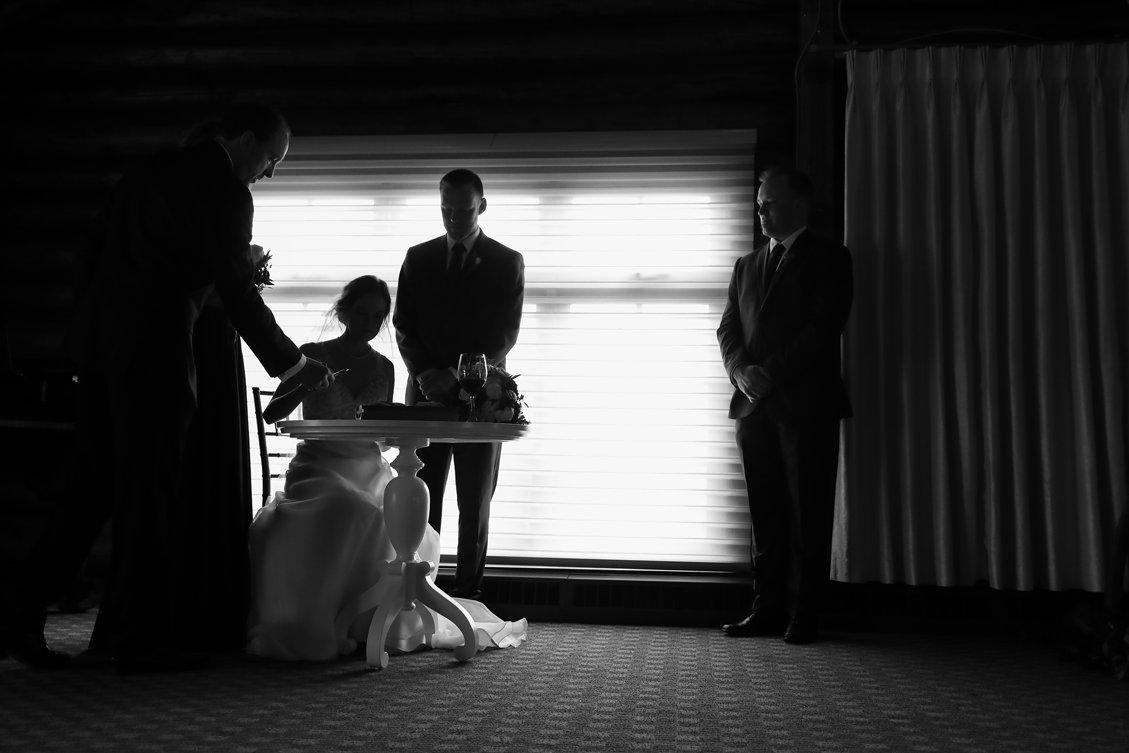 AshleyDaphnePhotography Wedding Photographer Mutart Old Timers Cabin Edmonton Calgary Country Rustic Western_0324.jpg