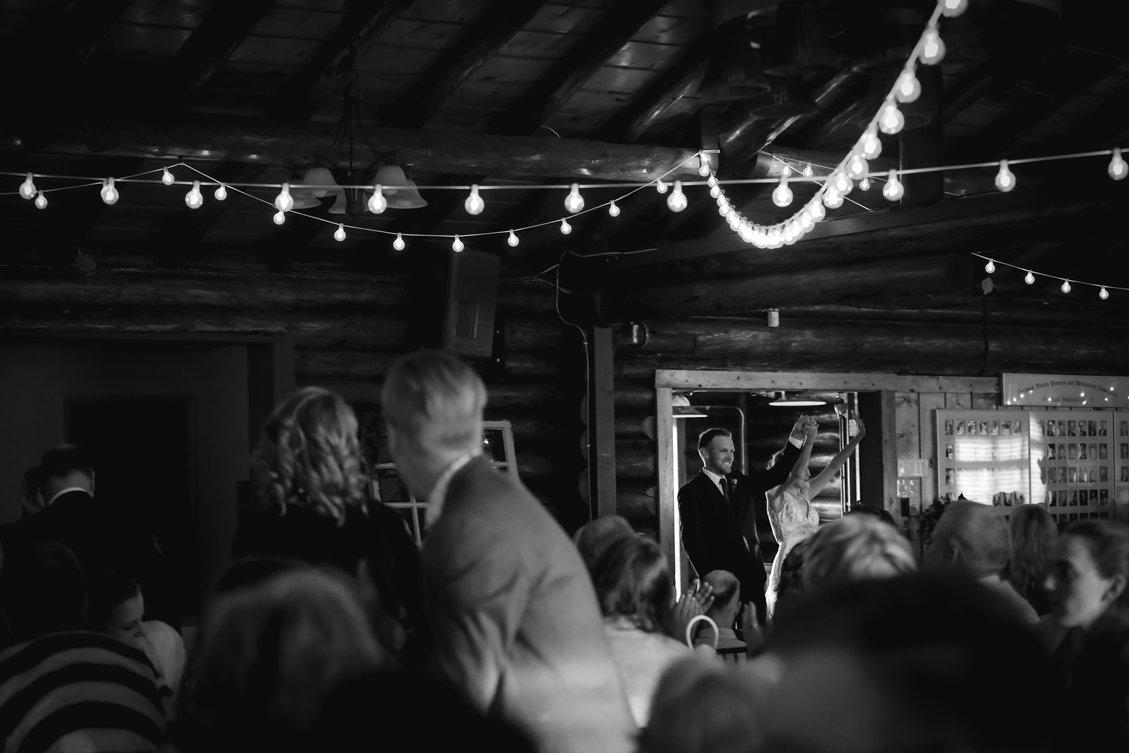 AshleyDaphnePhotography Wedding Photographer Mutart Old Timers Cabin Edmonton Calgary Country Rustic Western_0373.jpg