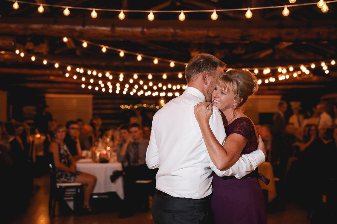 AshleyDaphnePhotography Wedding Photographer Mutart Old Timers Cabin Edmonton Calgary Country Rustic Western_0471.jpg