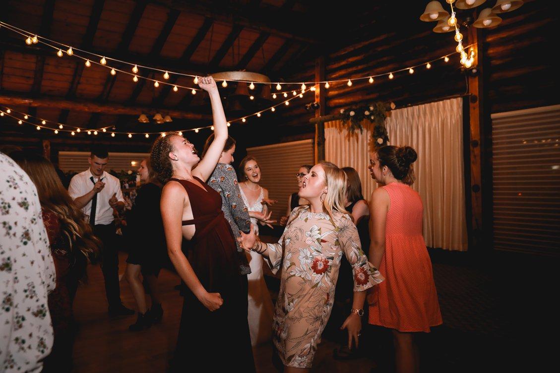 AshleyDaphnePhotography Wedding Photographer Mutart Old Timers Cabin Edmonton Calgary Country Rustic Western_0508.jpg