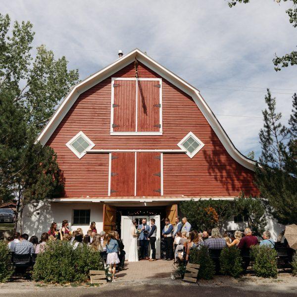 Shawnessy Barn wedding photography