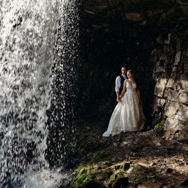 bride and groom adventure session troll falls