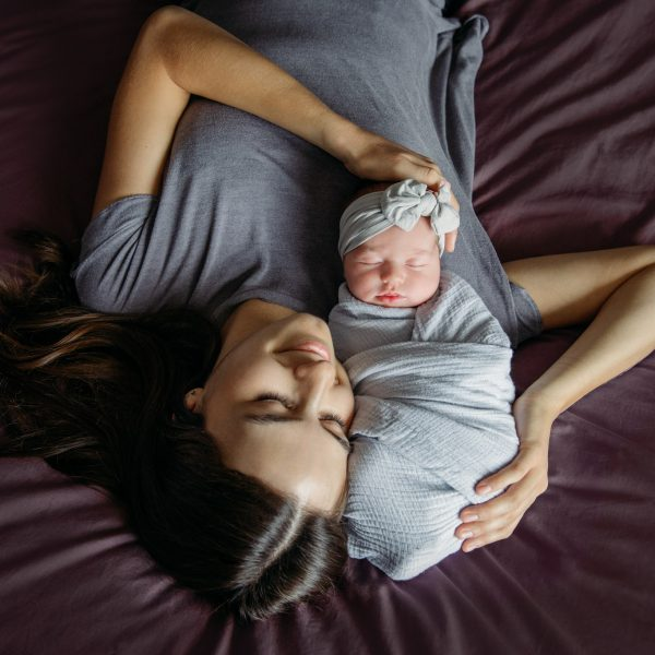 Newborn family lifestyle photography